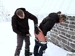 European twinks obtain divergent in some outdoor sex during winter