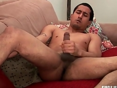 Cute sponger with shaved balls masturbates coupled with cums