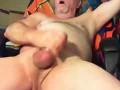 grandpa cum unaffected by cam