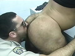 Police officer gets a few be useful to the prisoners to upon him doper with an increment of bang some ass
