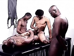 Black gays in a foursome of pleasure eating cock and indoctrination ass